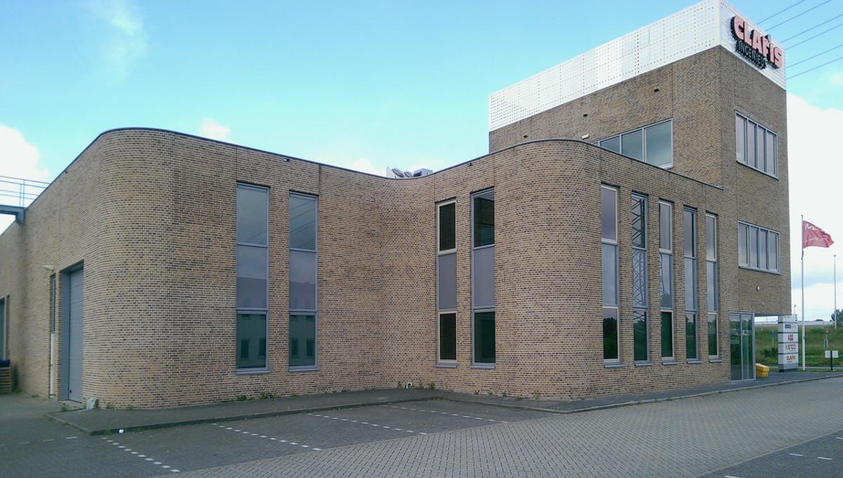 Bedrijfsgebouw Eemspoort Groningen afgeronde hoeken- BEELEN CS architecten Eindhoven