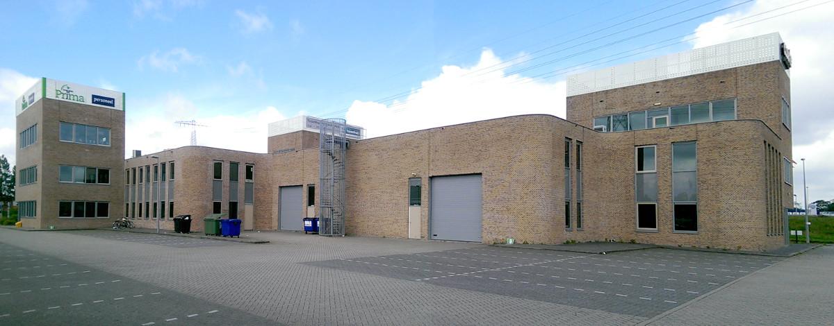 Bedrijfsgebouw Eemspoort Groningen expeditiezijde - BEELEN CS architecten Eindhoven