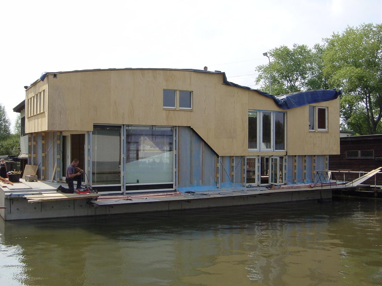 Bouw woonboot beelen cs architecten for Binnenzwembad bouwen