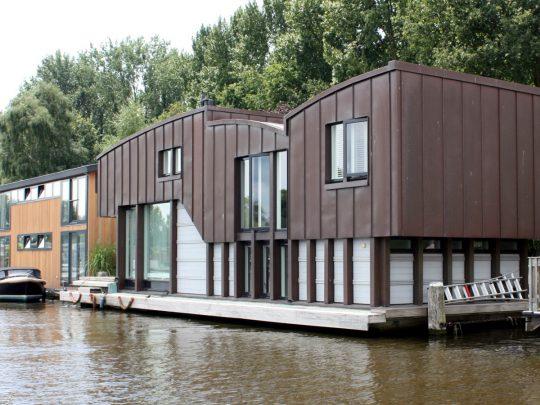 Nieuwbouw woonboot woonark Amsterdam schinkelzijde- BEELEN CS architecten Eindhoven