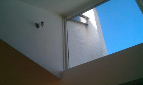 Transformatie woonhuis, Den Hoorn - vide lichtvanger woonkamer - BEELEN CS architecten Eindhoven