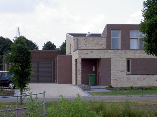 Nieuwbouw ruime villa met kantoor, Weert - entree - BEELEN CS architecten Eindhoven