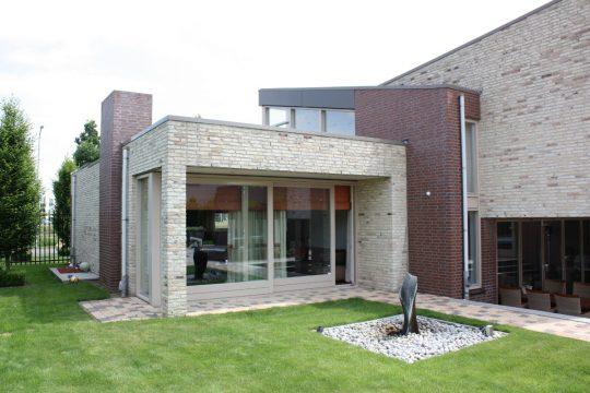 Nieuwbouw ruime villa met kantoor, Weert - hoek met woonkamer - BEELEN CS architecten Eindhoven