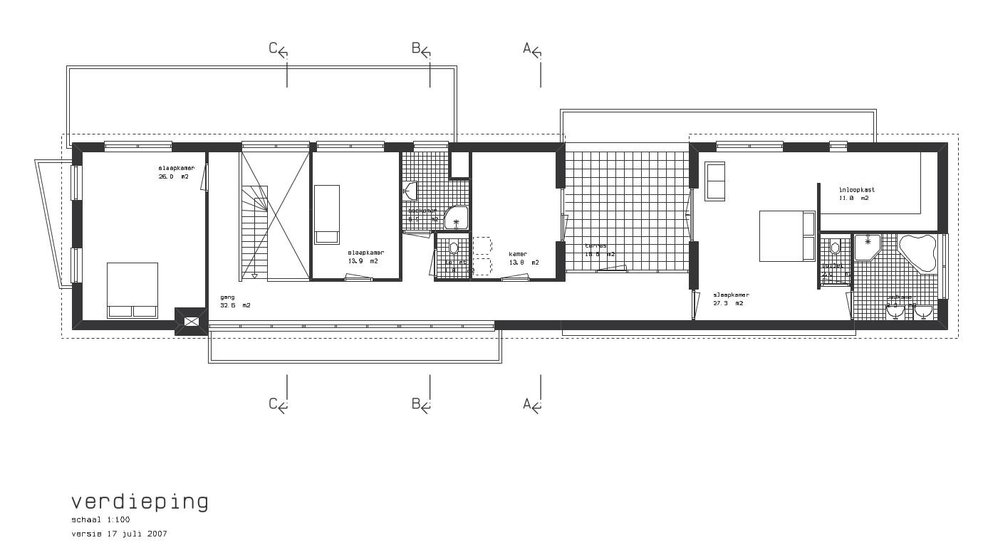 verdieping met vide en lange gang aan voorgevel