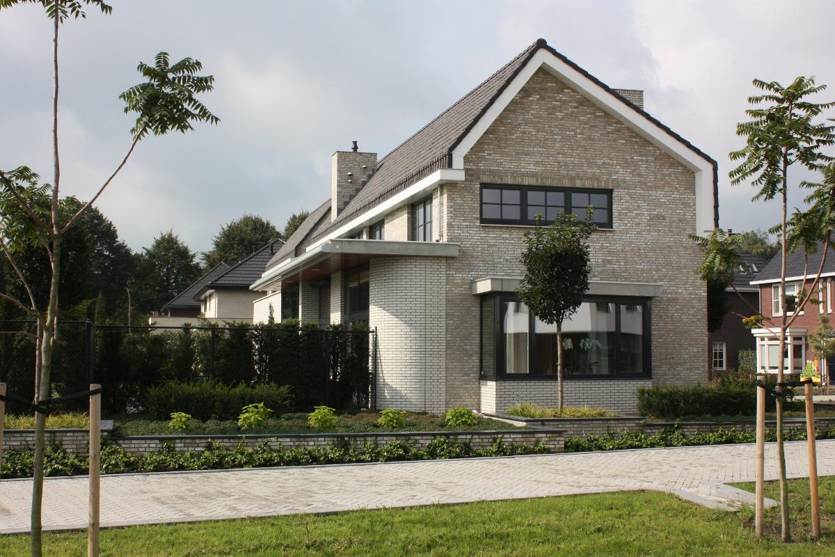 Nieuwbouw luxe villa Keurmeesterlaan Weert - kopgevel - BEELEN CS architecten Eindhoven