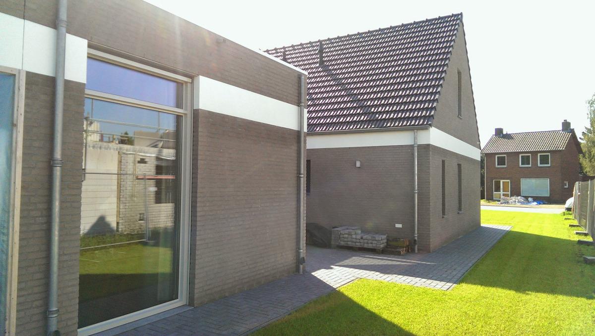 zijtuin met semi bungalow - BEELEN CS architecten Eindhoven