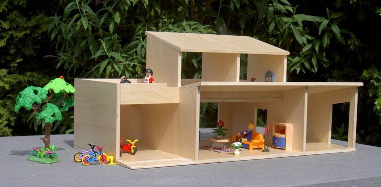 Poppenhuis afgestemd op playmobil beelen cs architecten for Poppenhuis voor peuters