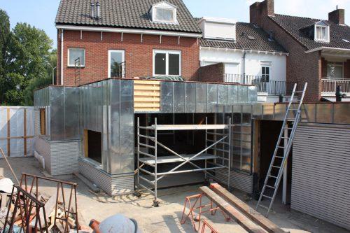 BEELEN CS architecten Eindhoven aanbouw en verbouwing woonhuis Helmerslaan Eindhoven aanbrengen zinken gevelbekleding