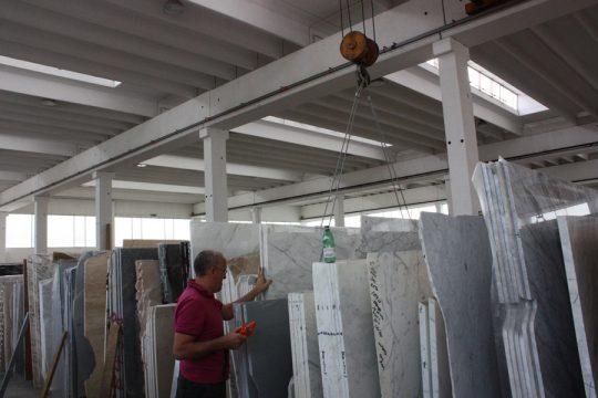 marmer keuze in Verona voor interieurontwerp nieuwbouw woonhuis diverse soorten marmer platen