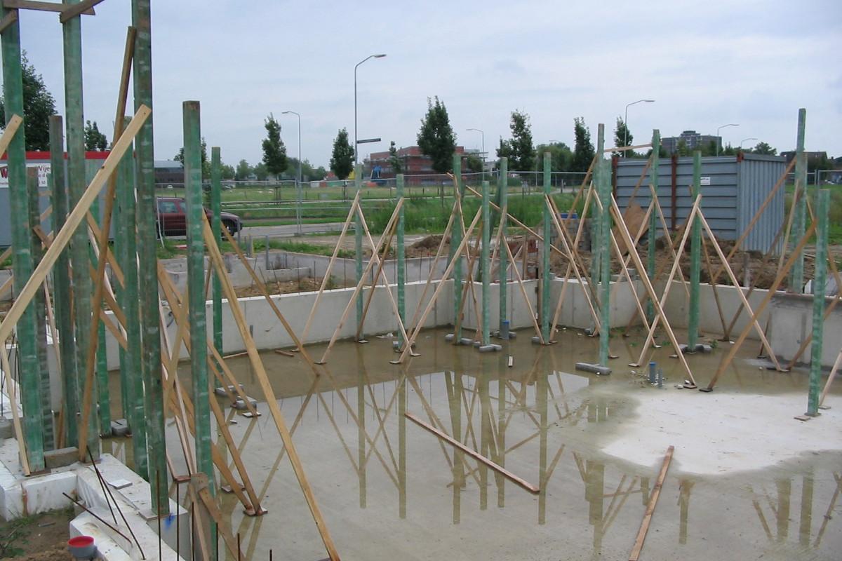 Nieuwbouw Woonhuis met kantoor te Weert bouwfoto, fundering met half verdiepte vloer