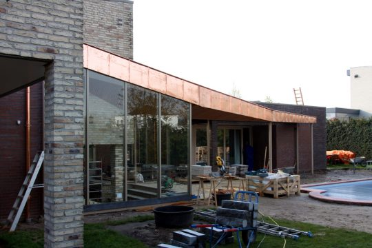 Bouw maatwerk terrasoverkapping Weert - bouwfoto 5 - BEELEN CS architecten Eindhoven