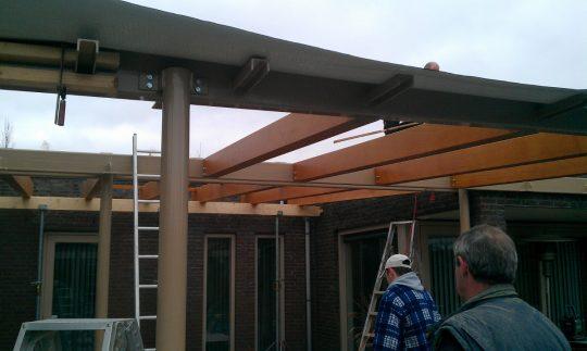 Bouw maatwerk terrasoverkapping Weert - bouwfoto 9 - BEELEN CS architecten Eindhoven