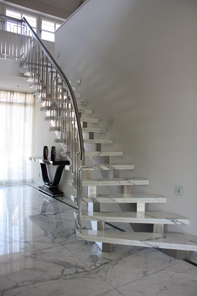 Marmer in een exclusief interieur ontwerp beelen cs architecten - Interieur ontwerp trap ...