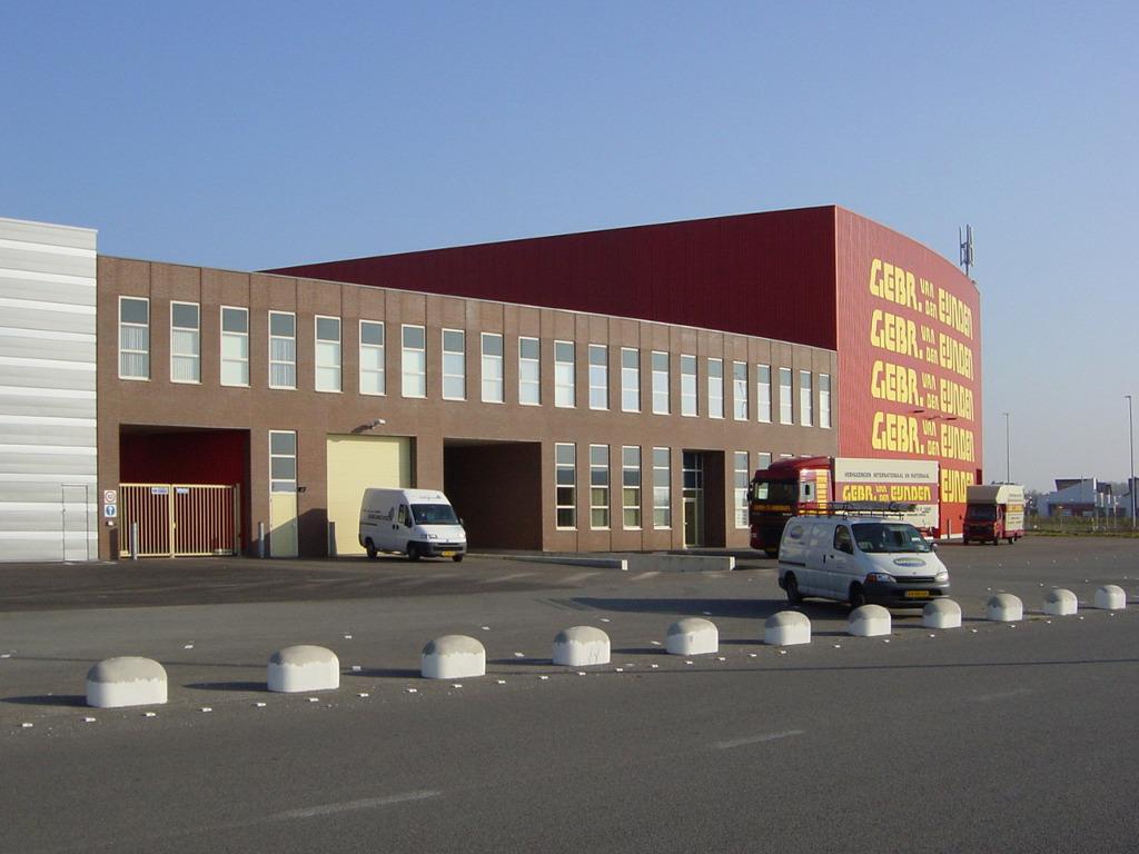 Nieuwbouw bedrijfspand Flightforum, Eindhoven - gevel kantoor - BEELEN CS architecten Eindhoven