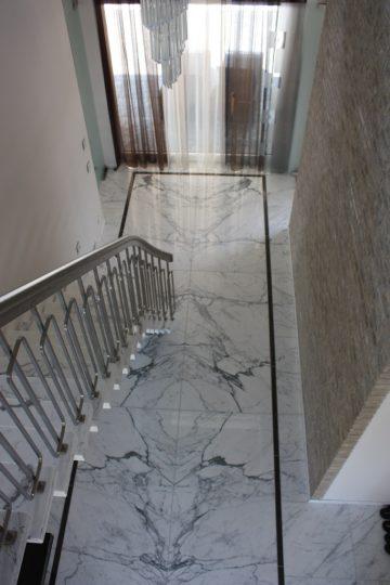 Nieuwbouw luxe villa Keurmeesterlaan Weert - marmeren vloer - BEELEN CS architecten Eindhoven