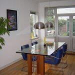 Poten voor een glazen tafelblad - totaal beeld - BEELEN CS architecten Eindhoven