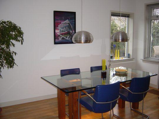 Poten voor een glazen tafelblad - zijkant - BEELEN CS architecten Eindhoven