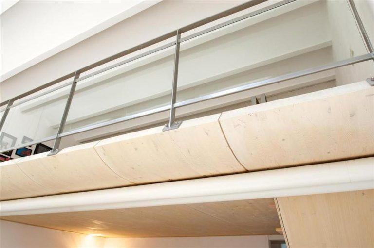 balkon van volkern houten delen