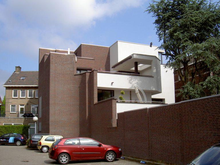 zijgevel met getrapte balkon opbouw