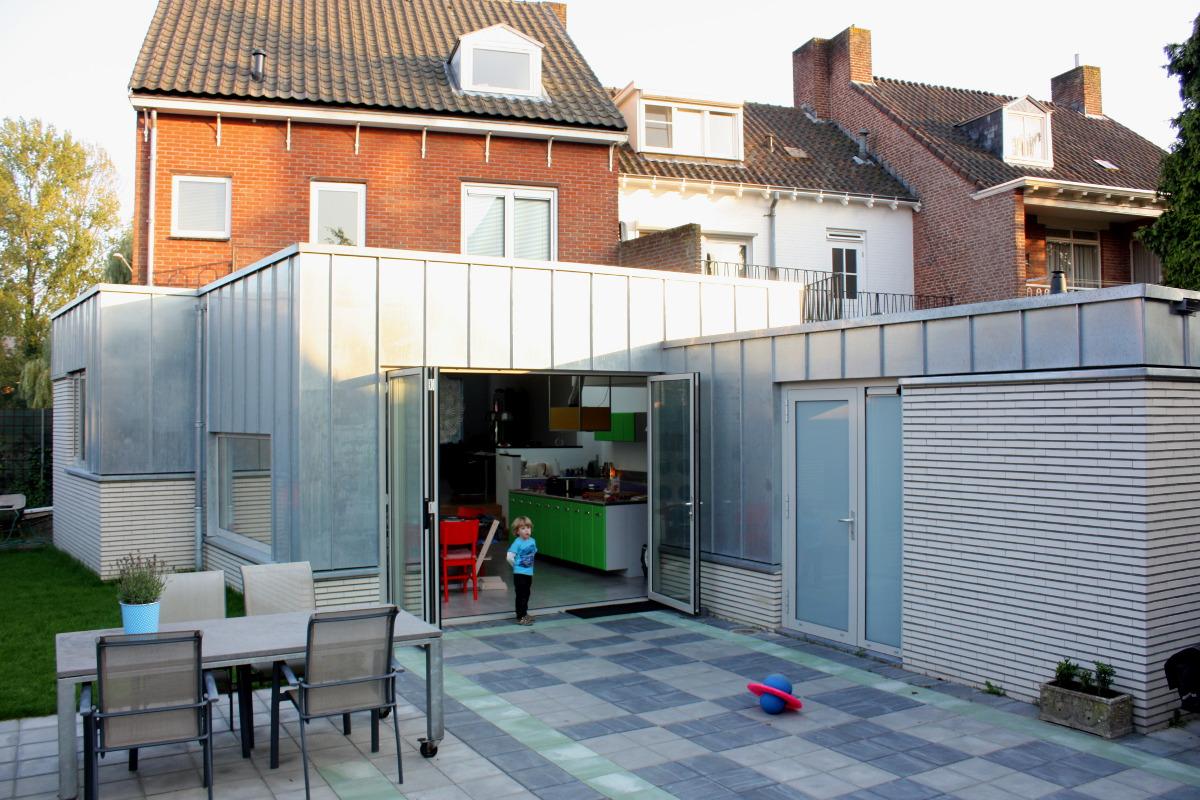 aanbouw en verbouwing woonhuis Helmerslaan Eindhoven achteraanzicht