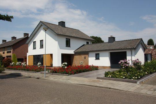 BEELEN CS architecten Eindhoven transformatie jaren 50 woning tot passief woning Nederweert voorzijde