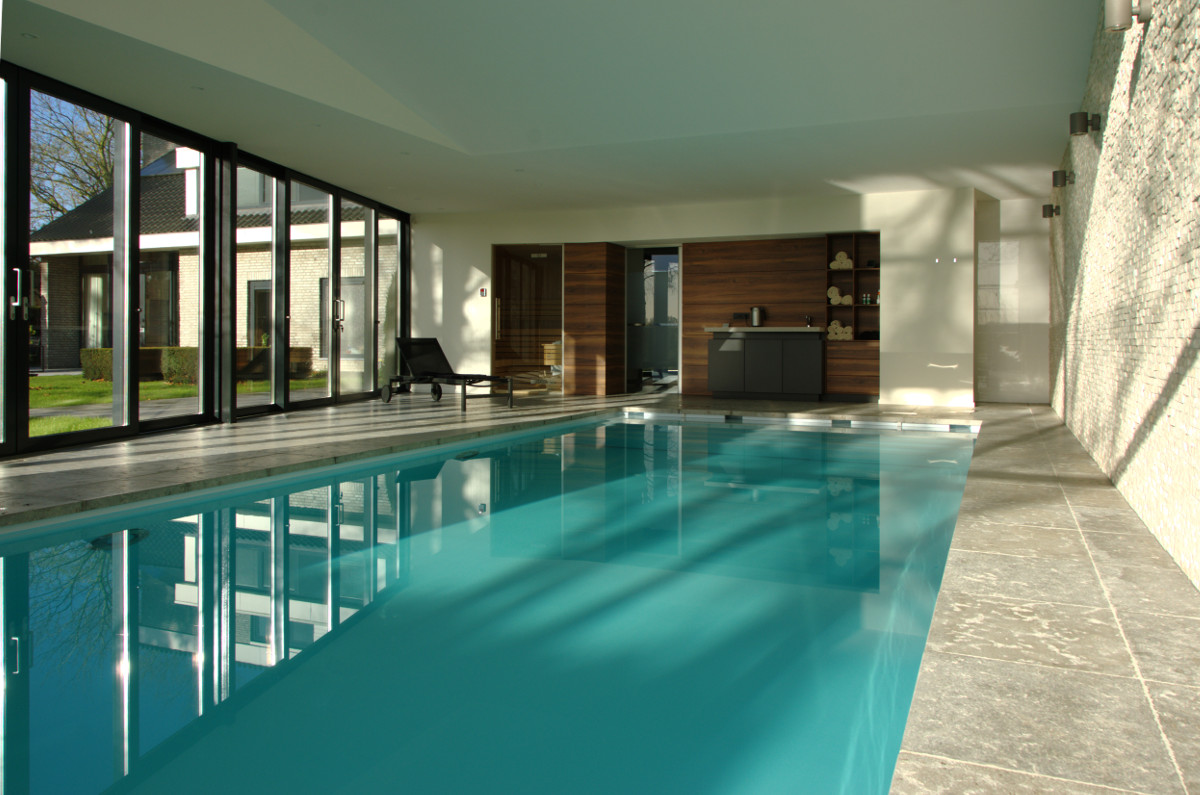 Nieuwbouw privé binnenzwembad Weert, interieur zicht op pantry - BEELEN CS architecten Eindhoven