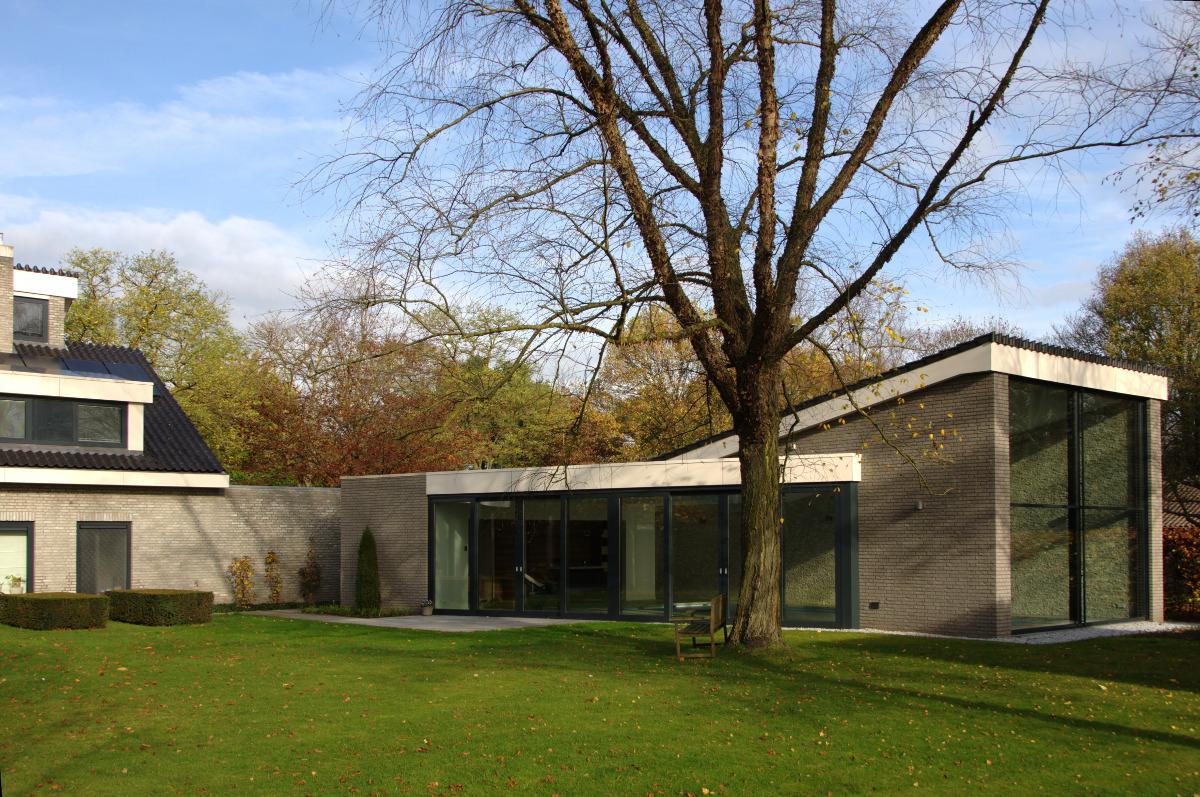 Nieuwbouw privé binnenzwembad Weert, woonhuis met bijgebouw zwembad - BEELEN CS architecten Eindhoven