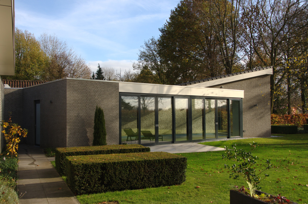 Nieuwbouw privé binnenzwembad Weert, bijgebouw zwembad - BEELEN CS architecten Eindhoven