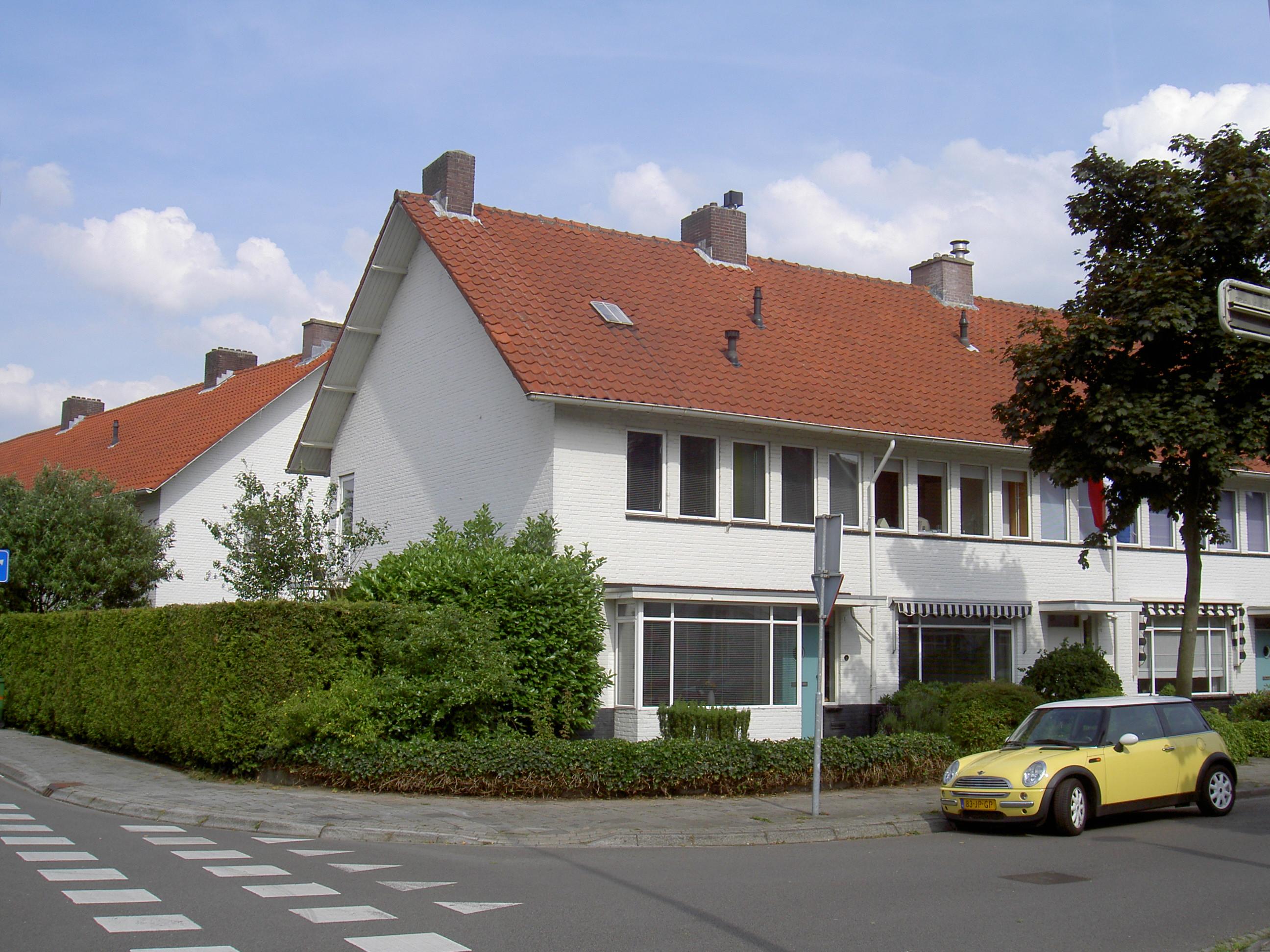 Voorzijde Burghstraat - Onderkeldering woonhuis Witte Dorp, Eindhoven - BEELEN CS architecten Eindhoven